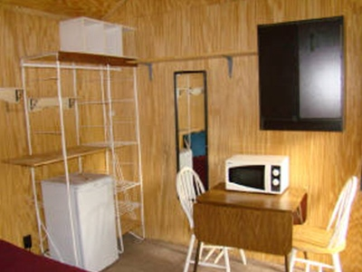 accommodation-i_0013_cabin-b4